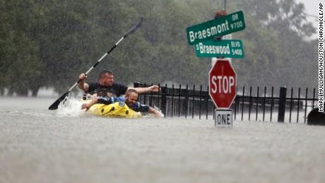 170827105313-63-hurricane-harvey-0827-large-tease